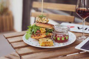 Bienen Kaviar Burger